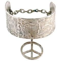 Biche de Bere Vintage Silver Toned Peace Sign Limited Edition Choker Necklace