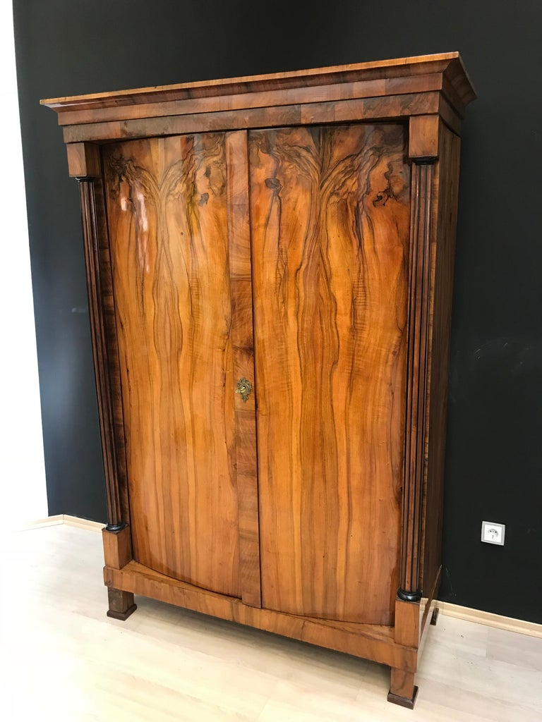 Austrian Biedermeier Armoire, Walnut Veneer and Full Column, Austria/Vienna circa 1820 For Sale