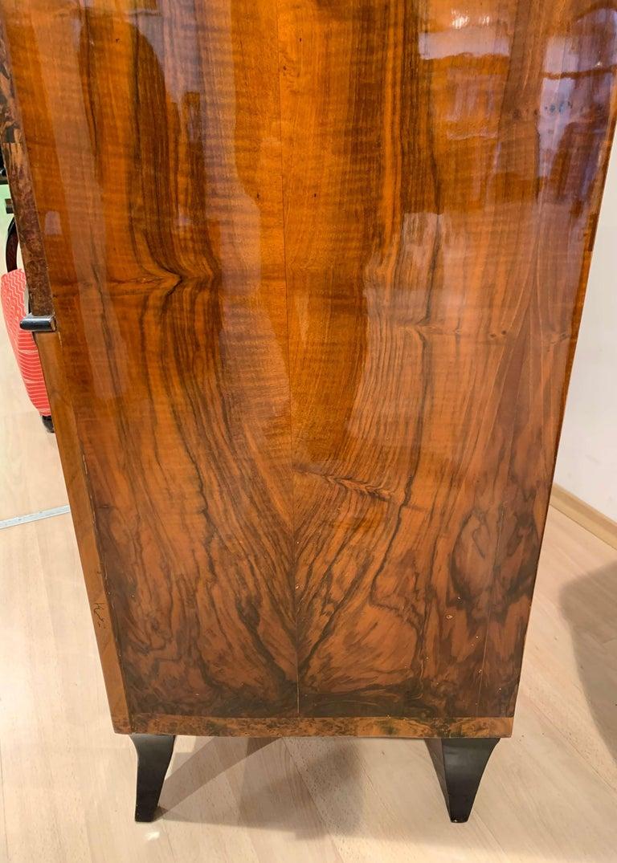 Biedermeier Armoire, Walnut and Birch Roots Veneer, South Germany, circa 1820 For Sale 8