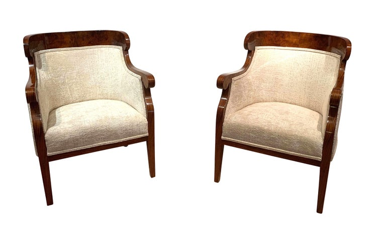 1 pair of beautiful, original, very classic Biedermeier bergère chairs / armchairs / club chairs.