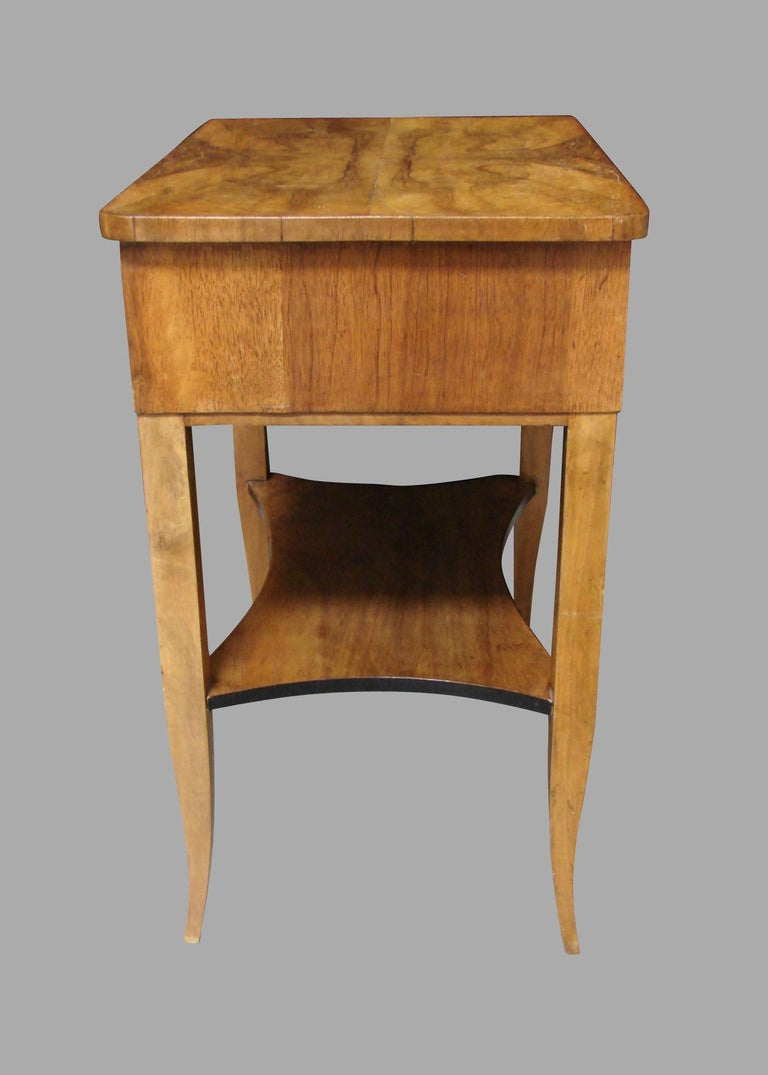 Biedermeier Burl Walnut Work Table with 2 Drawers and Lower Shelf In Good Condition For Sale In San Francisco, CA