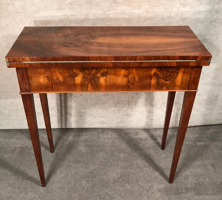 Biedermeier Card or Console Table, South German, 1820, Walnut In Good Condition For Sale In Belmont, MA