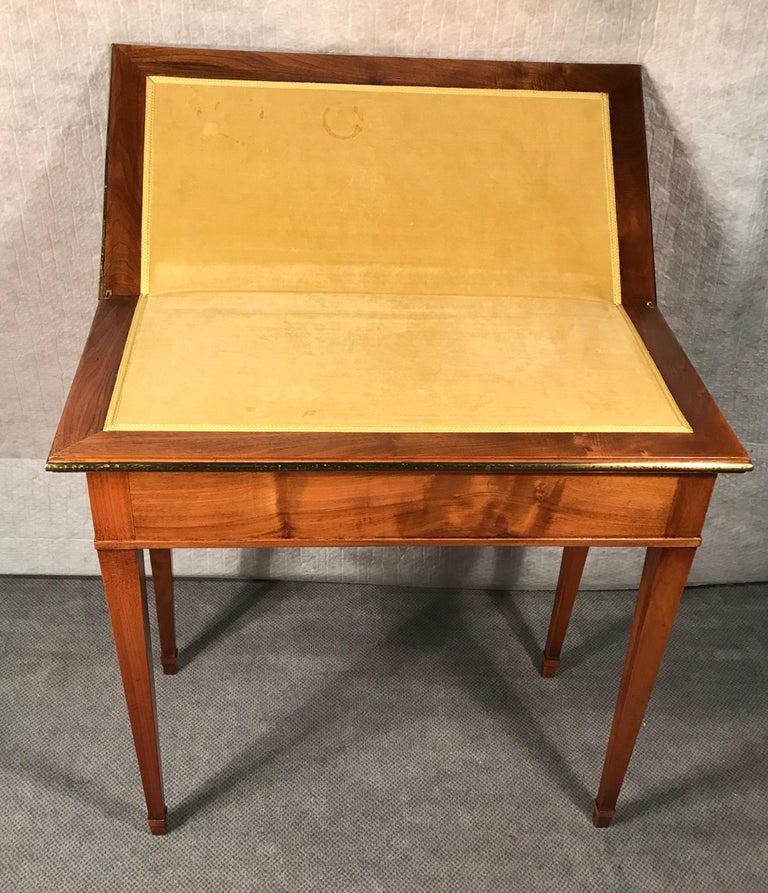 Biedermeier Card Table, South German 1820, Walnut In Good Condition For Sale In Belmont, MA