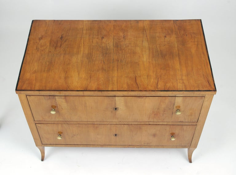 Biedermeier Cherry Chest of Drawers, circa 1810 For Sale 1
