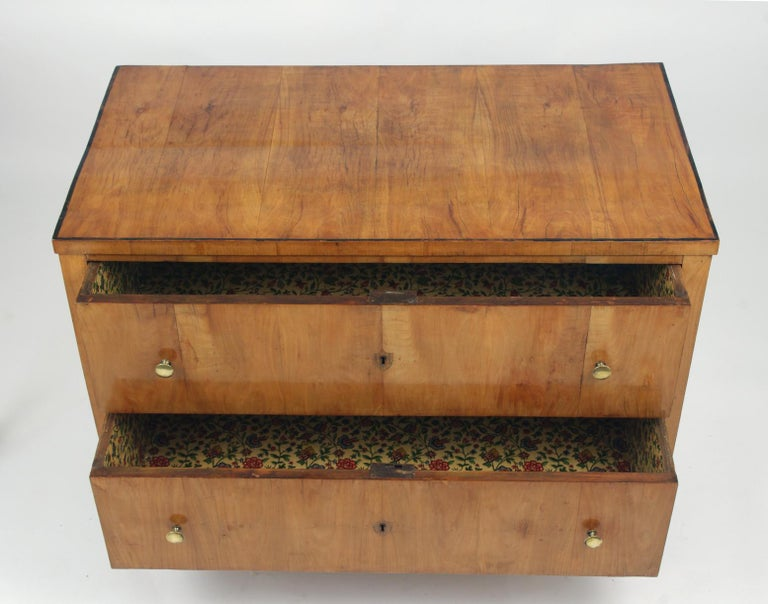 Biedermeier Cherry Chest of Drawers, circa 1810 For Sale 2