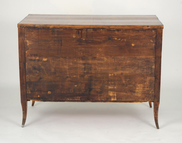 Biedermeier Cherry Chest of Drawers, circa 1810 For Sale 3