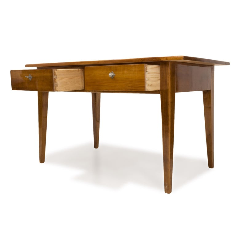 Biedermeier Cherrywood Table, Germany, 19th Century In Good Condition For Sale In Wrocław, Poland