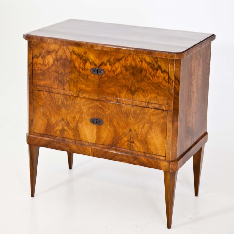 Biedermeier Chest of Drawers, circa 1820 In Good Condition In Greding, DE