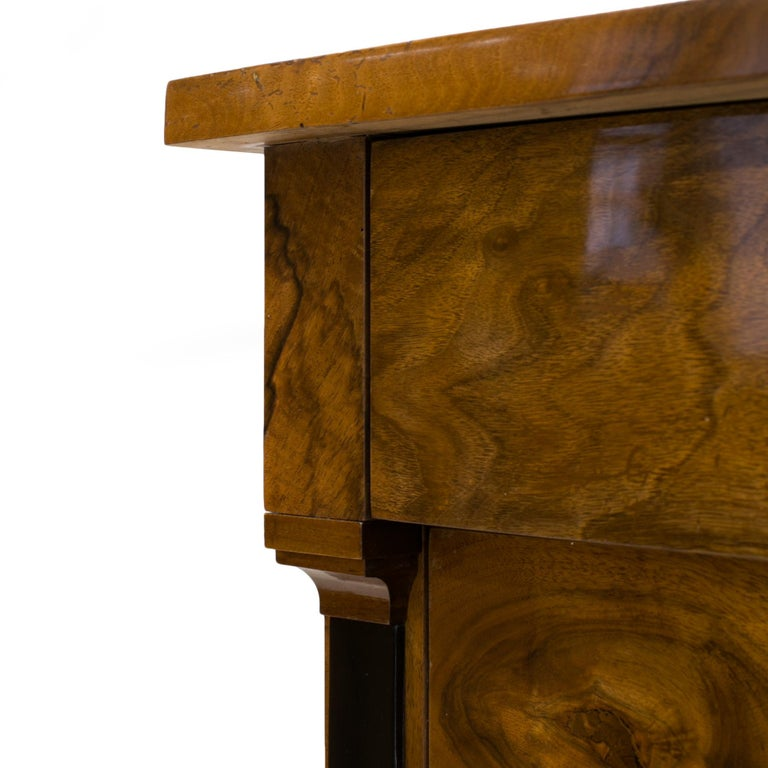 Biedermeier Chest of Drawers in Walnut Wood, France, 19th Century For Sale 6