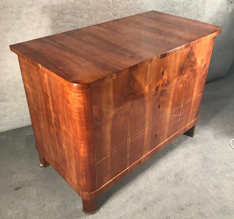 Early 19th Century Biedermeier Chest of Drawers, South German 1820, Cherry For Sale