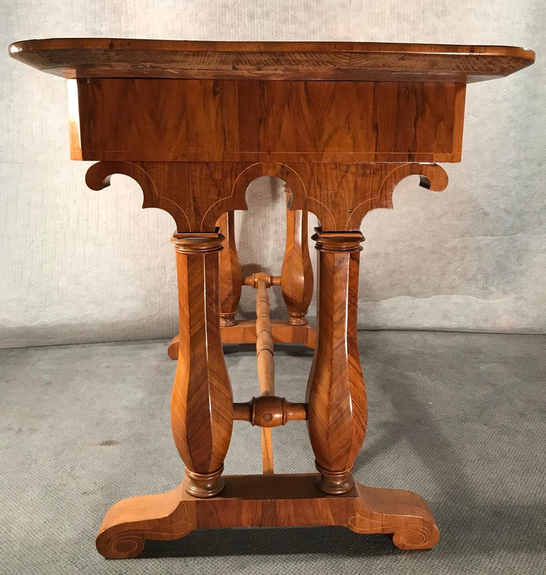 Biedermeier Desk, Vienna 1810-1820, Style of Josef Danhauser In Good Condition For Sale In Belmont, MA