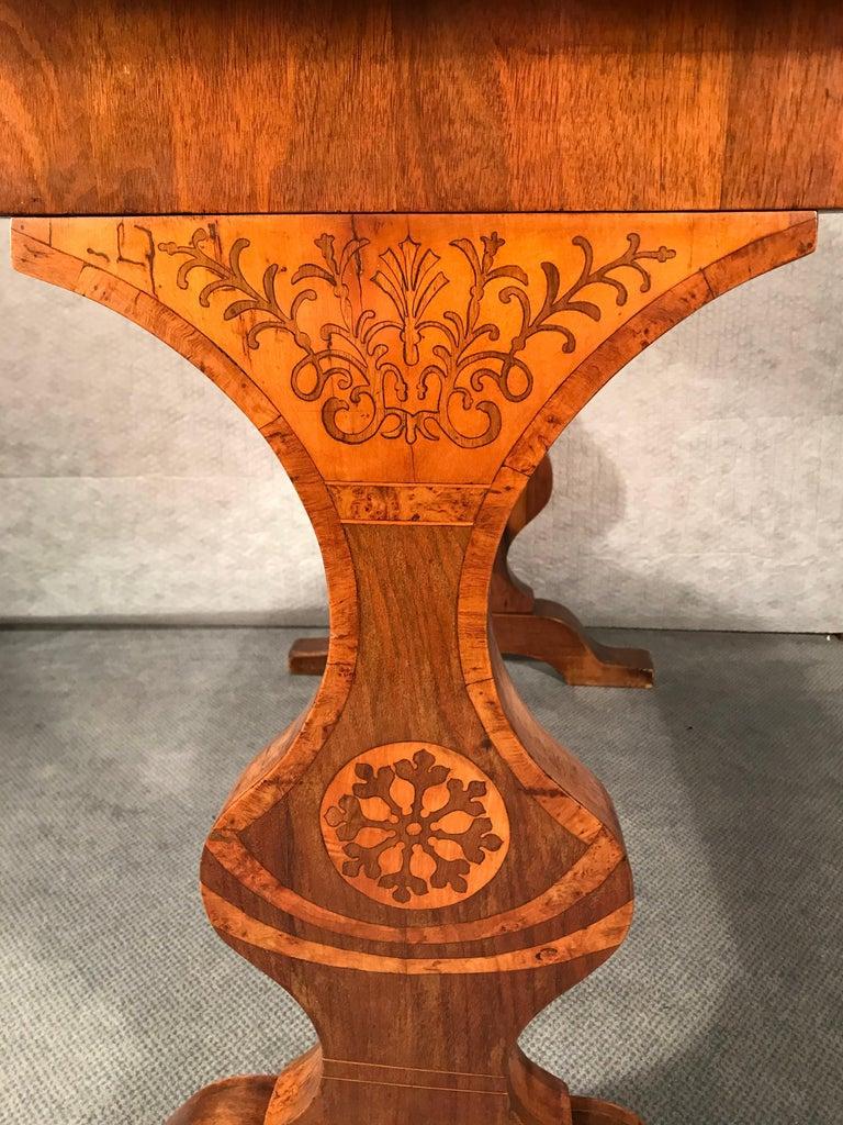 Austrian Biedermeier Desk, Walnut Veneer, Vienna, 1820-1830 For Sale