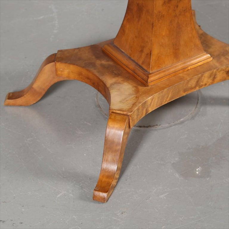 19th Century Biedermeier Drop-Leaf Pedestal Table Golden Birch Inlaid Honey Color Swedish For Sale