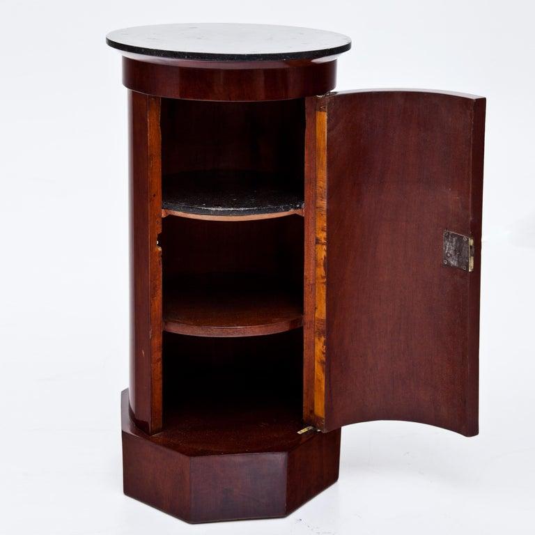 Biedermeier Drum Cabinet, circa 1820-1830 In Good Condition For Sale In Greding, DE
