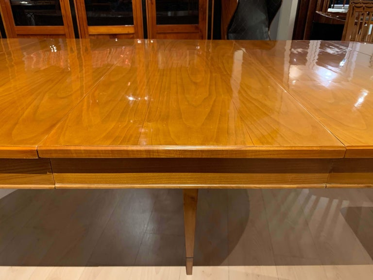 Biedermeier Expandable Table, Cherrywood, Southwest Germany, 19th Century For Sale 7