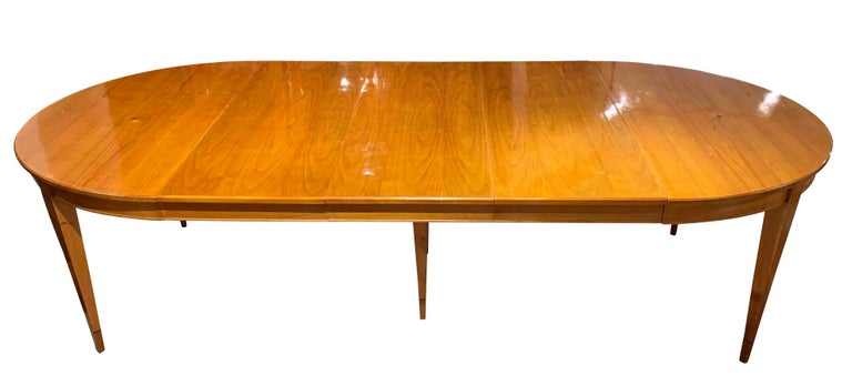 Beautiful Biedermeier expandable / extending / pull-out dining room table