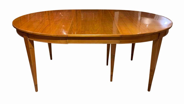 Biedermeier Expandable Table, Cherrywood, Southwest Germany, 19th Century For Sale 1