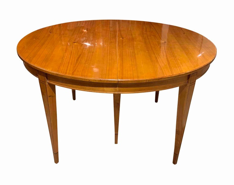 Biedermeier Expandable Table, Cherrywood, Southwest Germany, 19th Century For Sale 3