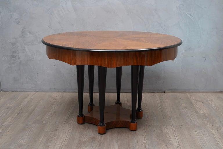 Biedermeier Round Walnut Wood Extendable Table, 1890 For Sale 2