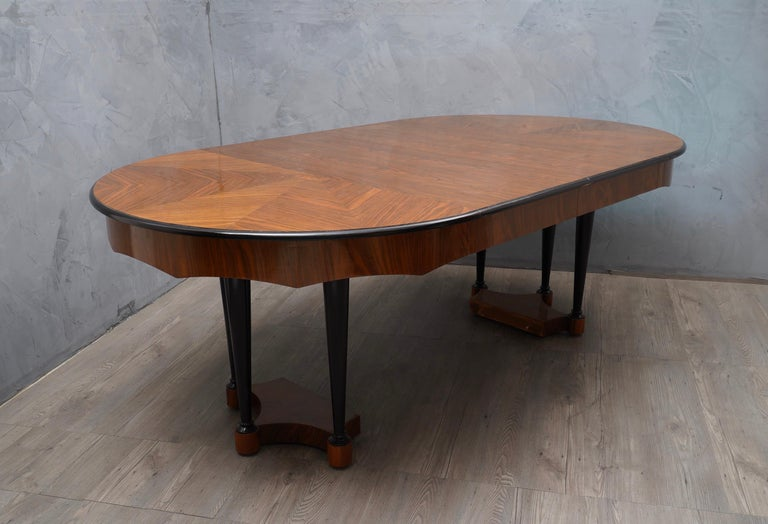 Biedermeier Round Walnut Wood Extendable Table, 1890 For Sale 3