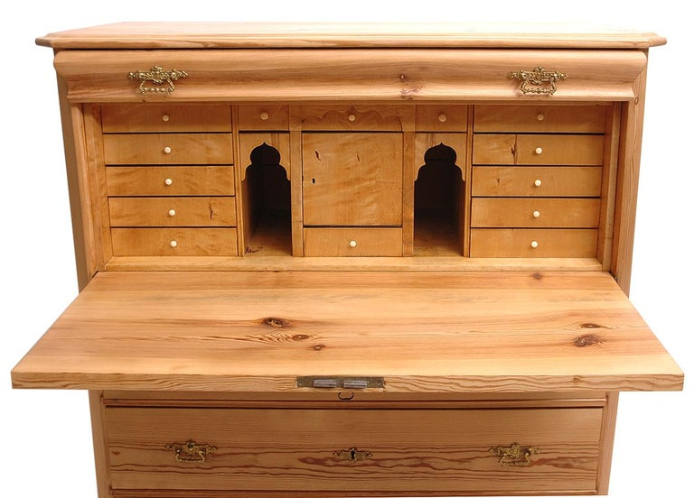 North German Fall-Front Secretary in Pine and Birch, circa 1850 In Good Condition For Sale In Miami, FL
