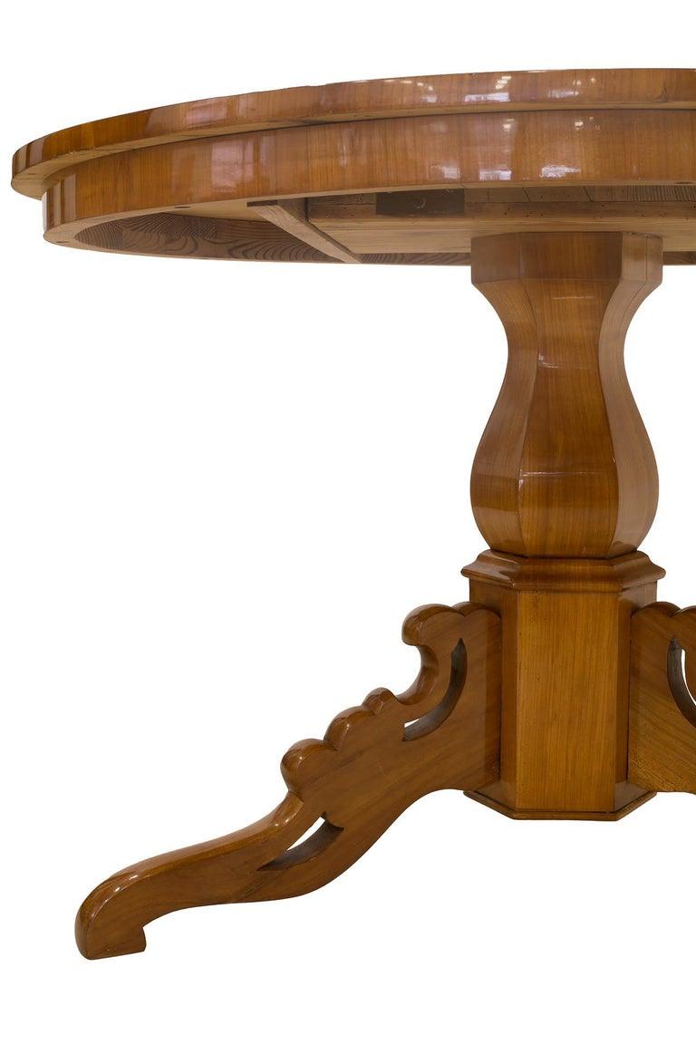 Biedermeier Round Table in Cherrywood Veneer, Germany, 19th Century For Sale 2