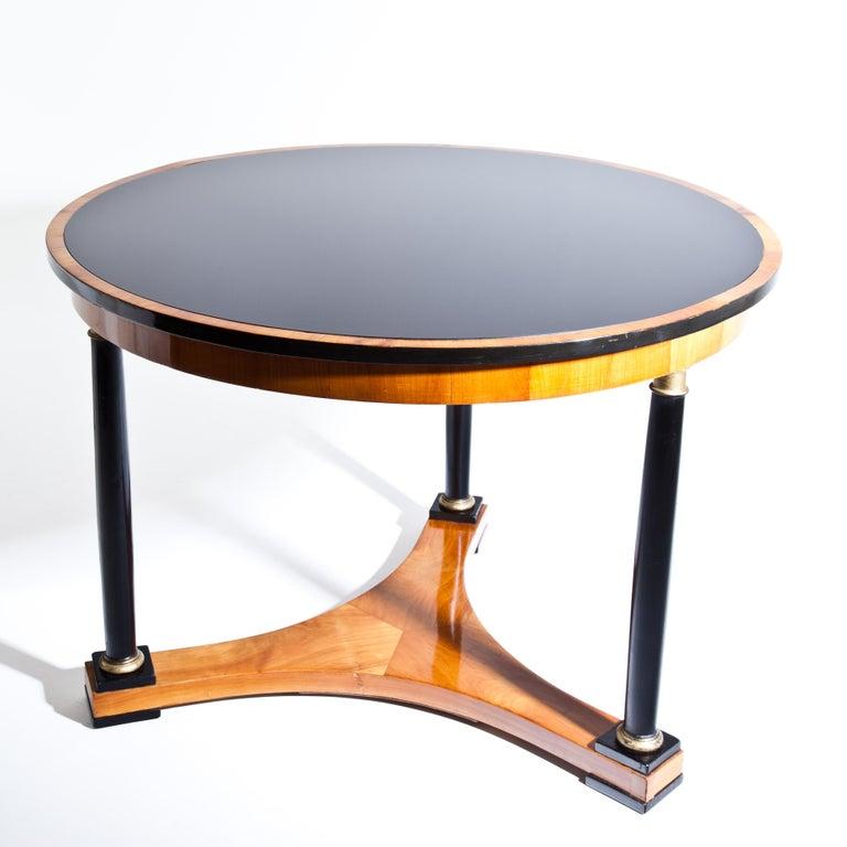 Biedermeier Salon Table, Cherry, German, circa 1820 For Sale 3