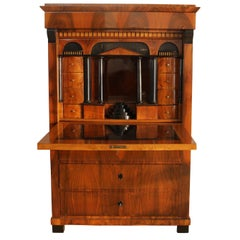 Biedermeier Secretaire, Walnut Veneer, Southwest Germany circa 1820