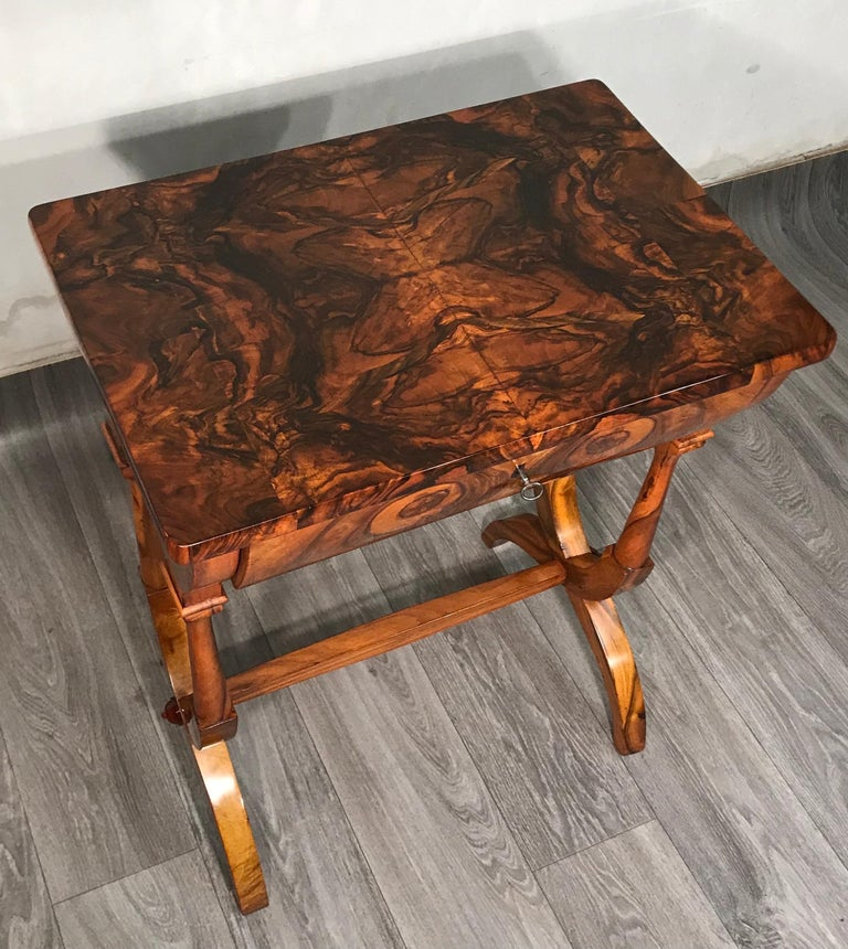 Biedermeier Sewing Table, Austria 1820, Walnut 8