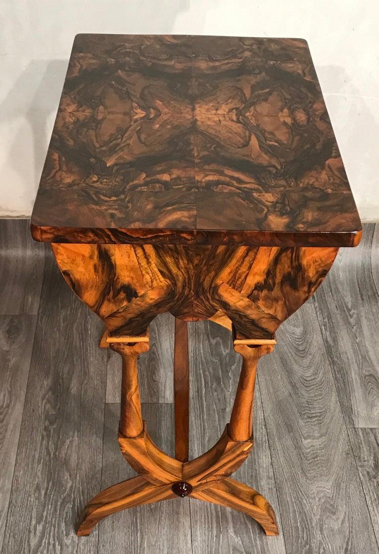 Biedermeier Sewing Table, Austria 1820, Walnut 1