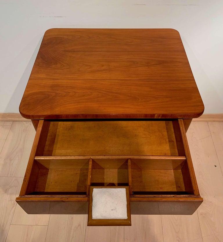 Biedermeier Sewing Table, Cherry Veneer, Austria, circa 1825-1830 For Sale 1