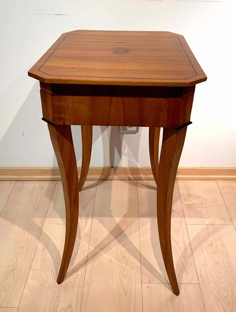 Biedermeier Sewing Table, Cherry Veneer, Interior, South Germany, circa 1825 For Sale 1