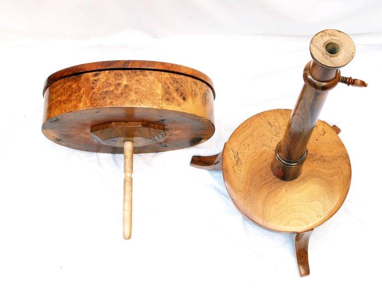 German Biedermeier Sewing Table Made of Walnut Wood For Sale