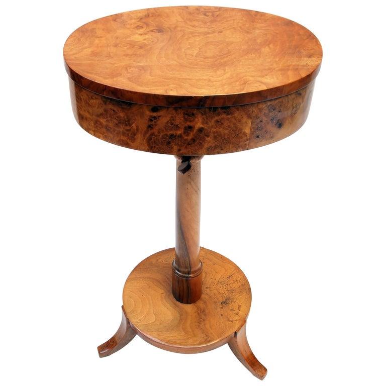 Biedermeier Sewing Table Made of Walnut Wood For Sale
