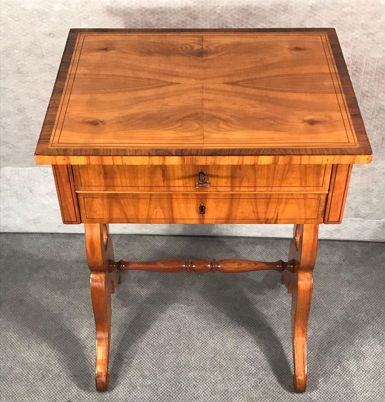 Early 19th Century Biedermeier Sewing Table, South German 1820, Cherrywood For Sale