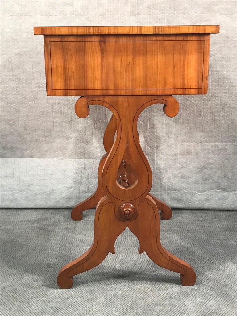 Biedermeier Sewing Table, South German 1820, Cherrywood For Sale 3