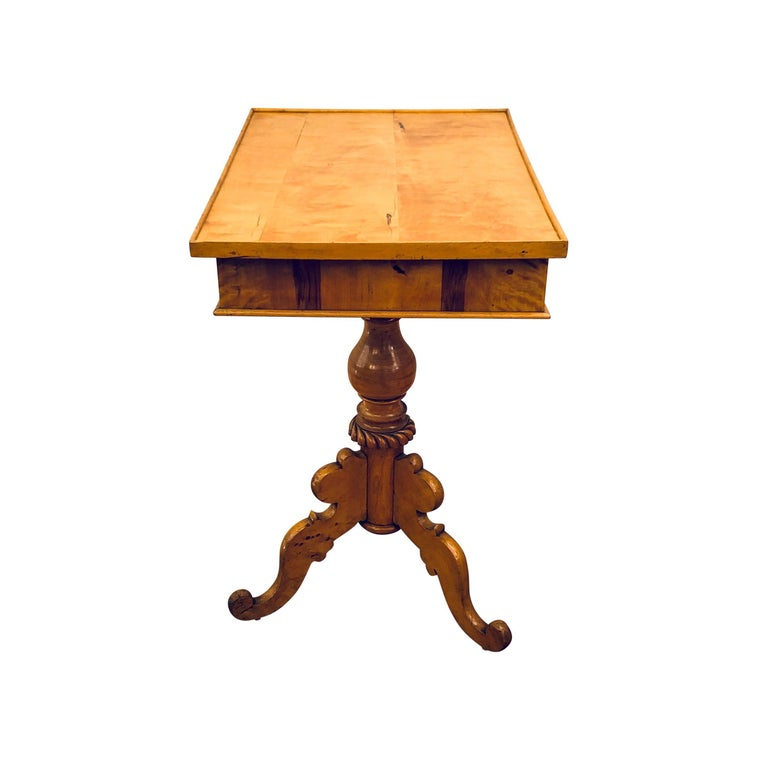 Biedermeier Side Table In Good Condition For Sale In New York, NY