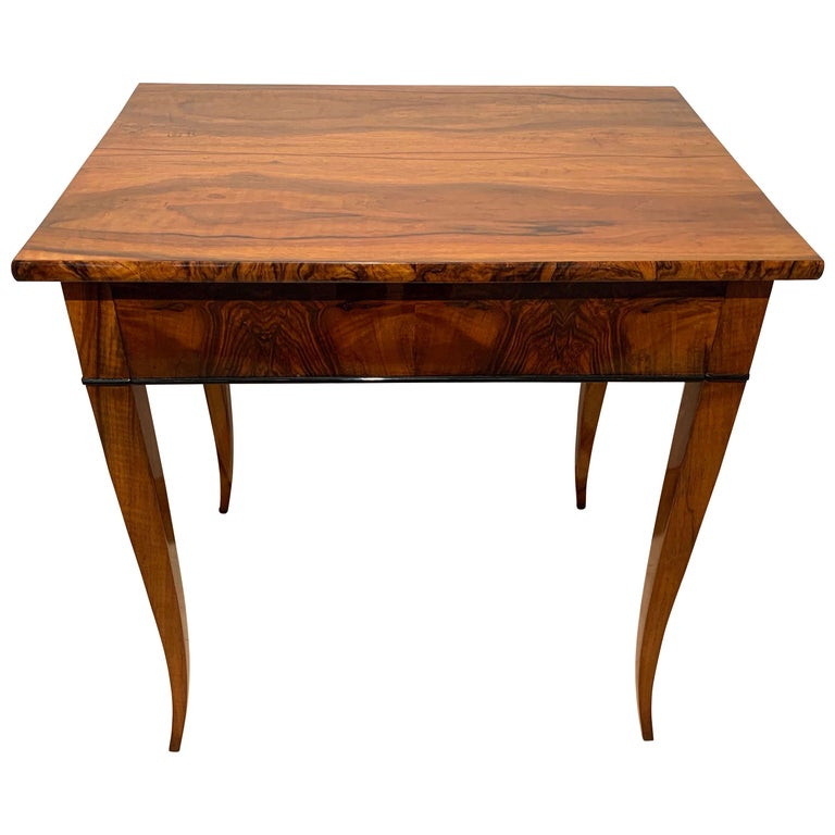 Biedermeier Side Table with Drawer, Walnut Veneer, South Germany, circa 1820 For Sale