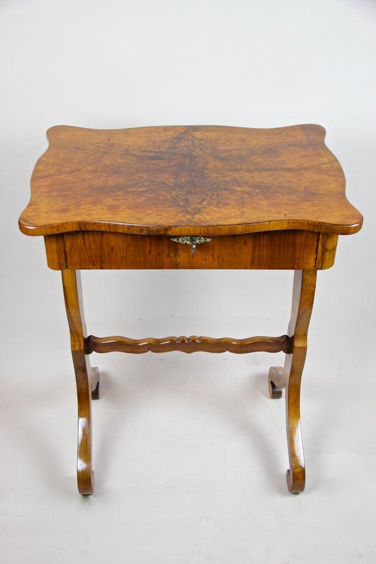 Biedermeier Side Table with One-Drawer Nut Wood, Austria, circa 1850 6