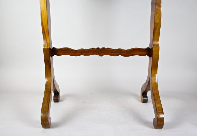 Biedermeier Side Table with One-Drawer Nut Wood, Austria, circa 1850 2