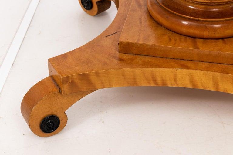 Biedermeier Style Drop-Leaf Pedestal Table For Sale 1