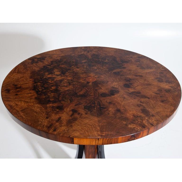 Biedermeier Table, circa 1810 In Good Condition For Sale In Greding, DE