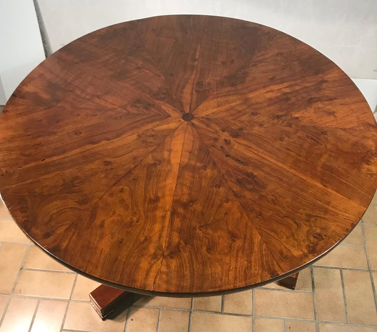 Original Biedermeier table, South German 1820 This beautiful original Biedermeier table has an exquisite walnut veneer on top and base.  It is in good condition. It has been carefully refinished French polished.  The top has some imperfections due