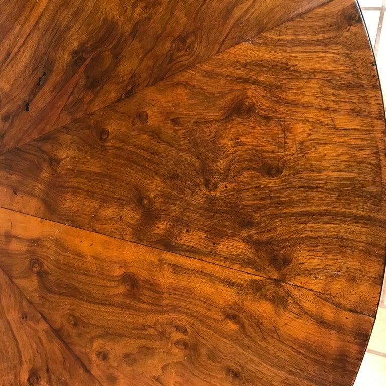 Biedermeier Table, Walnut Veneer, South German, 1820 In Good Condition For Sale In Belmont, MA