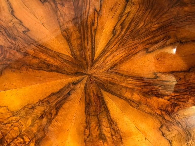 Biedermeier Table, South German 1820, Walnut In Good Condition For Sale In Belmont, MA