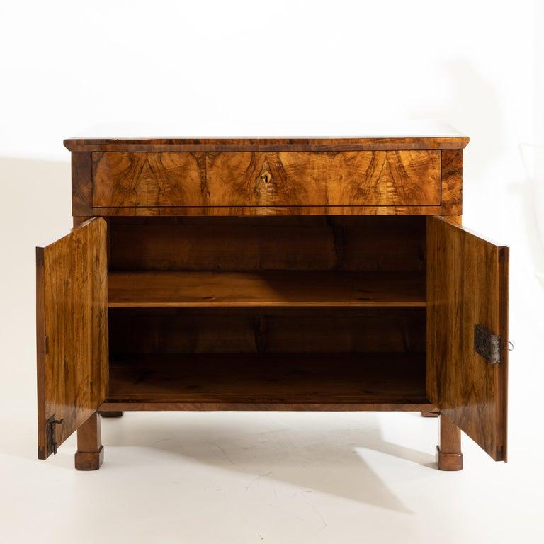Biedermeier Walnut Cabinet, German, circa 1820 For Sale 2