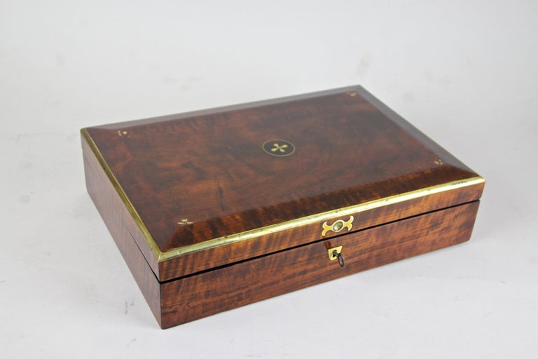 Biedermeier Wooden Box, Austria, circa 1830 In Good Condition For Sale In Linz , AT