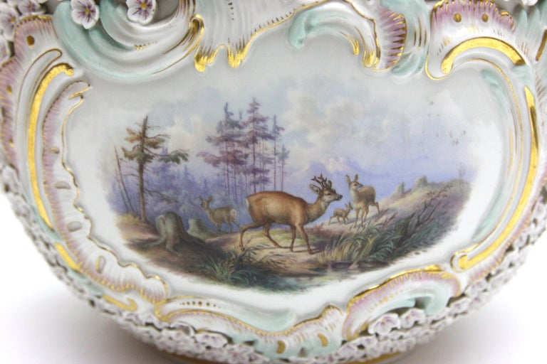 Big and Very Rare Meissen Porcelain Hunting Terrine in Snowball Decor For Sale 10