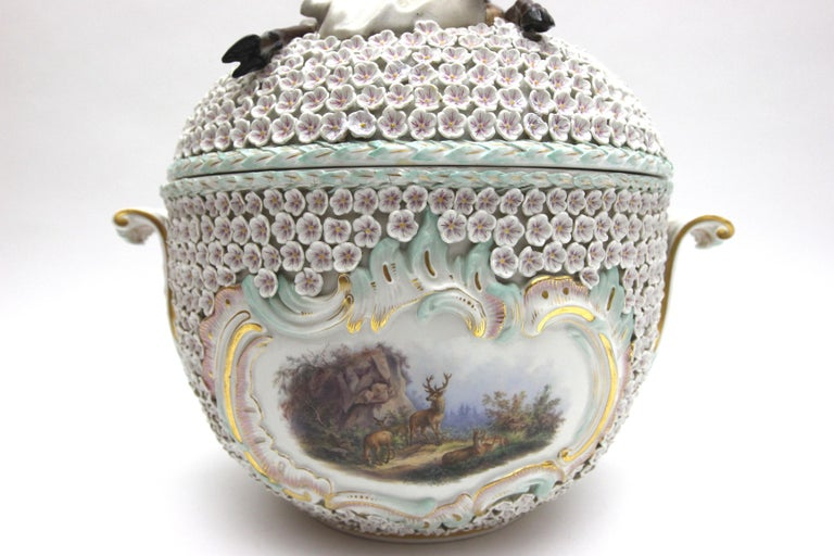 19th Century Big and Very Rare Meissen Porcelain Hunting Terrine in Snowball Decor For Sale