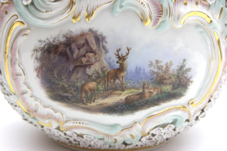 Big and Very Rare Meissen Porcelain Hunting Terrine in Snowball Decor For Sale 2